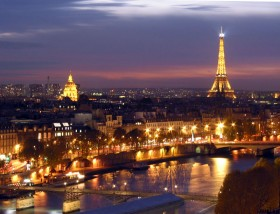 Paris at Night © DR